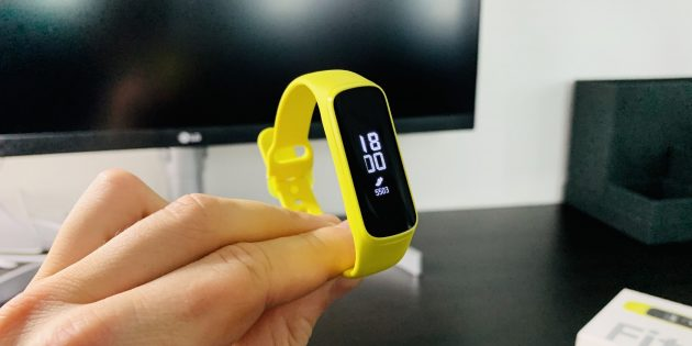 Обзор Samsung Galaxy Fit и Galaxy Fit E: Дисплей Galaxy Fit E
