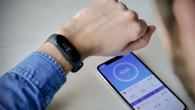 Приложение для фитнес-браслета Xiaomi Mi Band всех версий: обзор программ для Андроида и Айфона